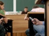Punjab Government Bans Mobile Phones In School & Colleges
