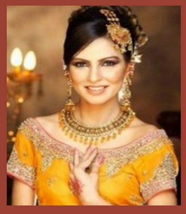 Mehndi Hairstyles For Brides : Best hairstyles for mehndi bride