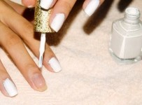 How To Paint Your Nails 001