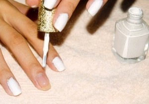 How To Paint Your Nails?