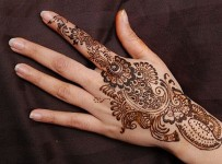 Simple Mehndi Designs For Hands, Feet And Fingers 001