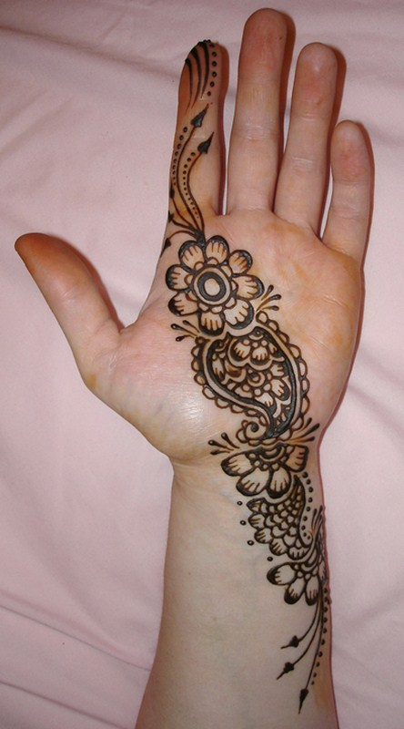 Mehndi Designs For Back Fingers : Simple mehndi designs for hands feet and fingers