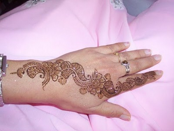 Upper Hand Mehndi Design : Simple mehndi designs for hands feet and fingers