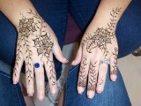 Flower Mehndi Designs For Hands 005