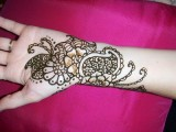 Flower Mehndi Designs For Hands 008