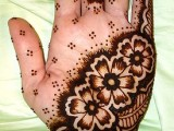 Simple Mehndi Designs For Kids 0011