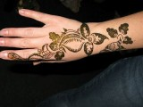 Simple Mehndi Designs For Kids 0012