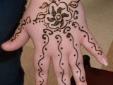 Simple Mehndi Designs For Kids 0016