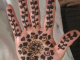 Simple Mehndi Designs For Kids 0017