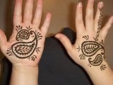 Simple Mehndi Designs For Kids 002