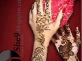 Simple Mehndi Designs For Kids 004