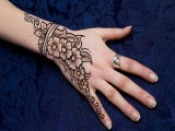 Simple Mehndi Designs For Kids 007