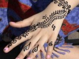 Simple Mehndi Designs For Kids 008