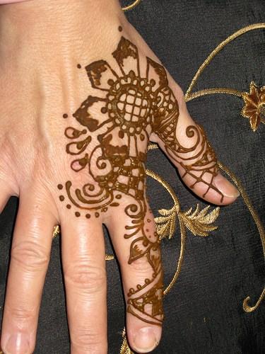 Mehndi Designs Back Hand Side : Side hand henna designs makedes