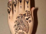 Mehndi Designs For Back Hand Side 0019