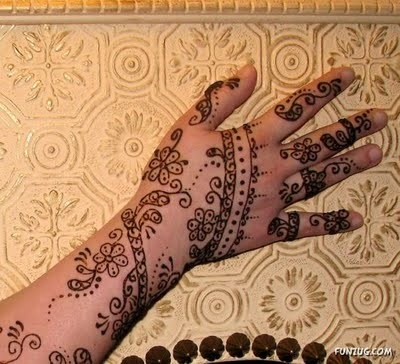 Mehndi In Hands Photos Pictures Pics Images