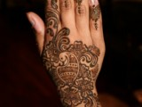 Mehndi Designs For Back Hand Side 0024