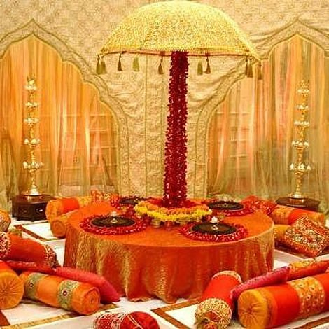 Mehndi function decoration ideas at home for Home decor ideas for indian wedding