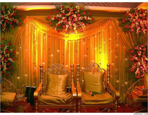 Mehendi Ceremony Decoration Ideas At Home : These Mehndi Function Decoration Ideas At Home make your home most ...