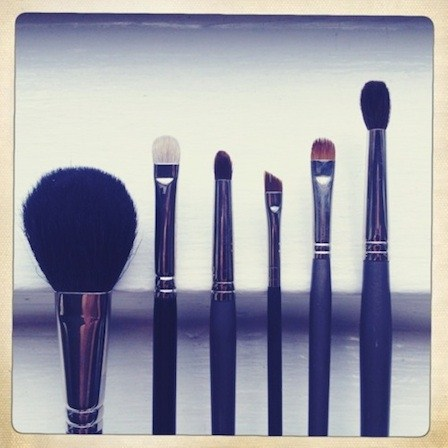what to look for when buying makeup brushes 001