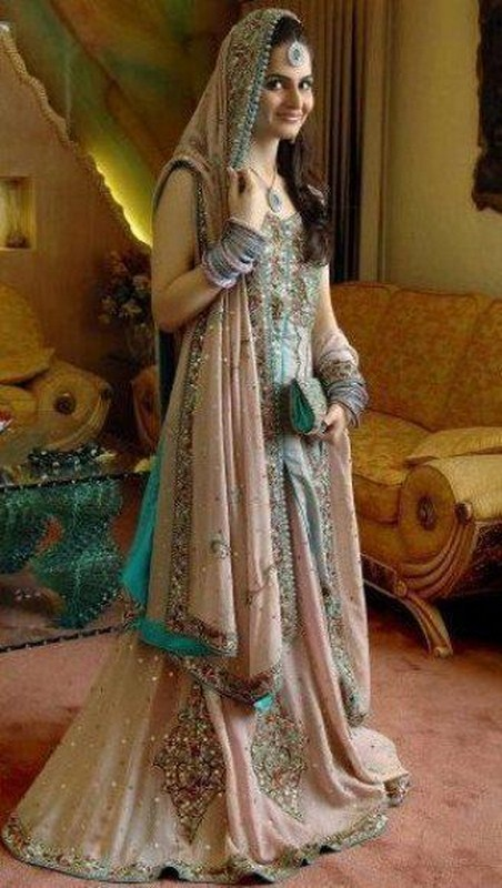 Pakistani Bridal Dresses 2014 For Walima In Red And White For Barat Pictures Pics White