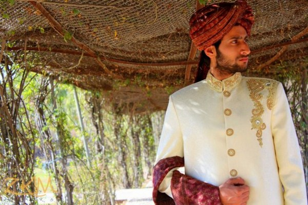 Pakistani Designer Groom Sherwani Designs 2013 0013