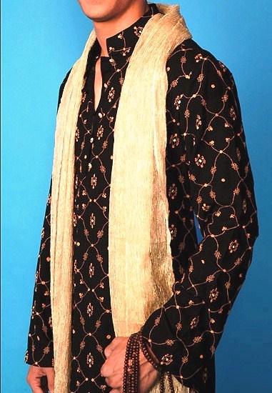 Pakistani Mehndi Dresses For Men 001
