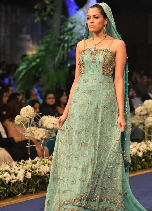 Pakistani Lehenga Designs 2013 001