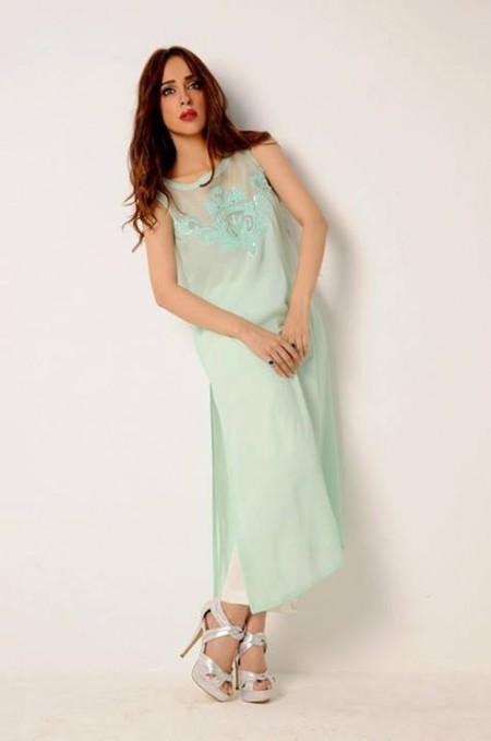 Yasmin Zaman dresses pics