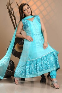 Frock Designs for women in Pakistan