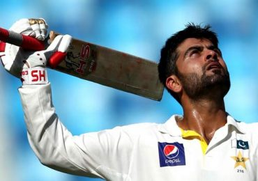 Ahmed Shehzad Head Injury Live in 1st Test Match Pakistan vs New Zealand