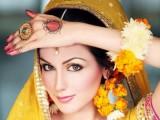 Makeup on mehndi