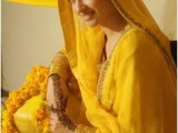 Simple mehndi dresses in pakistan