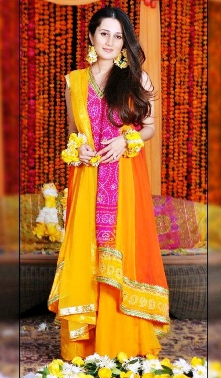 Stylish mehndi dresses in pakistan
