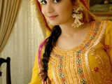 mehndi dresses in pakistan for girls