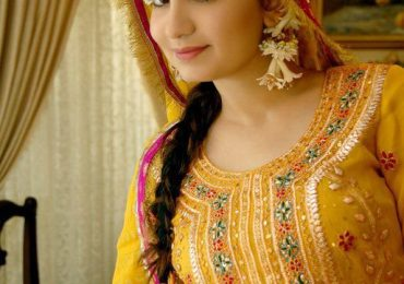 Pakistani Mehndi Dresses 2015 Images