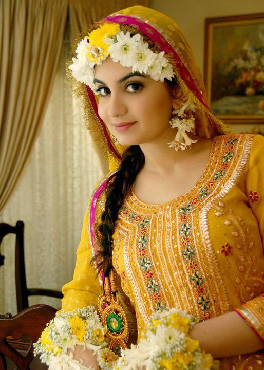 Mehndi Bridal Dress : Pakistani mehndi dresses images