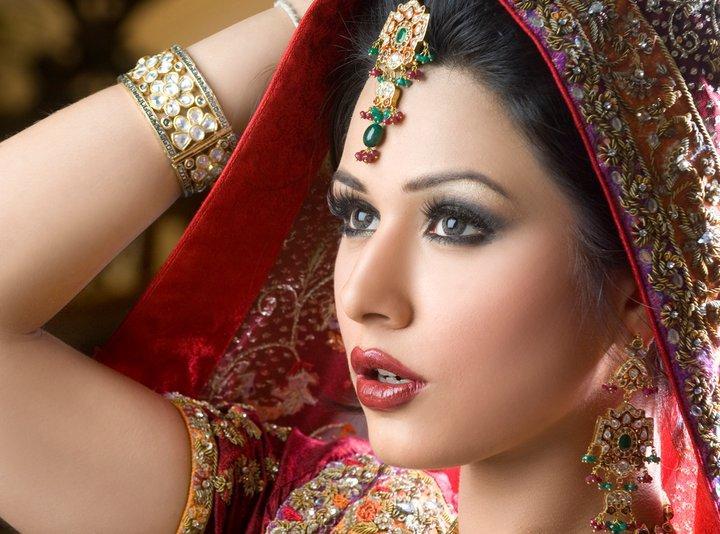 Mehndi Eye Makeup Dailymotion : Beautiful eyes makeup pakistani famous tutorial by