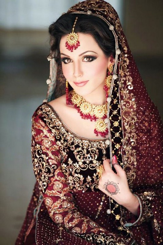 Wedding Dressup And Makeup : Latest Colours Combination of Wedding Dresses of Pakistani ...