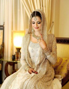 Latest Colours Combination of Wedding Dresses of Pakistani Brides of 2018
