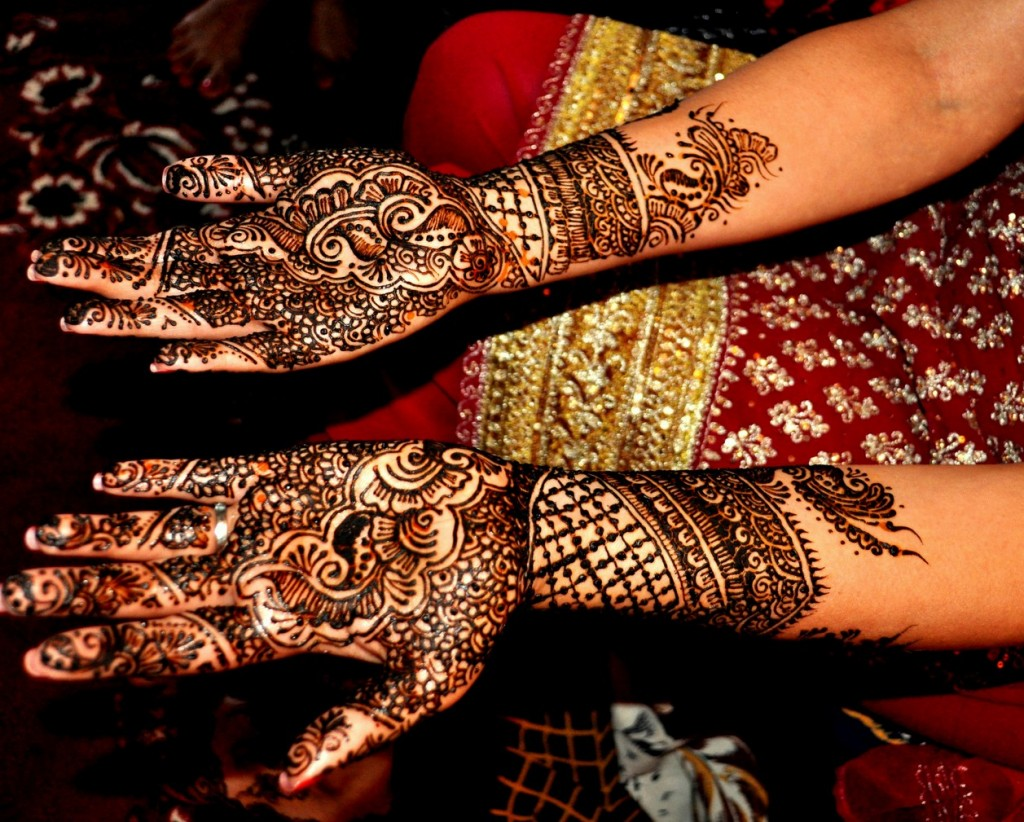 black mehndi designs for hand