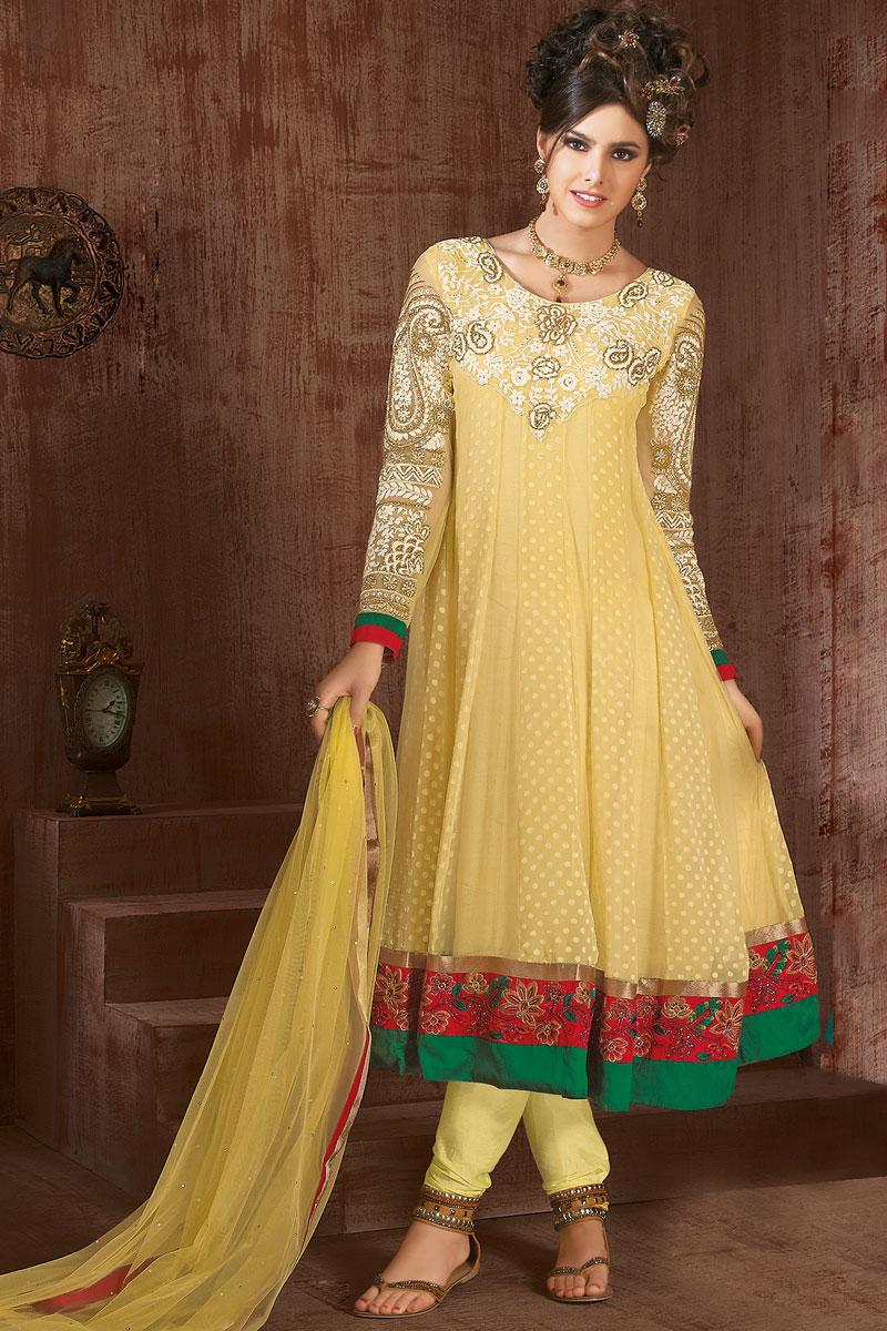 Mehndi dress 2018 pakistani new style for Pakistani wedding mehndi dresses