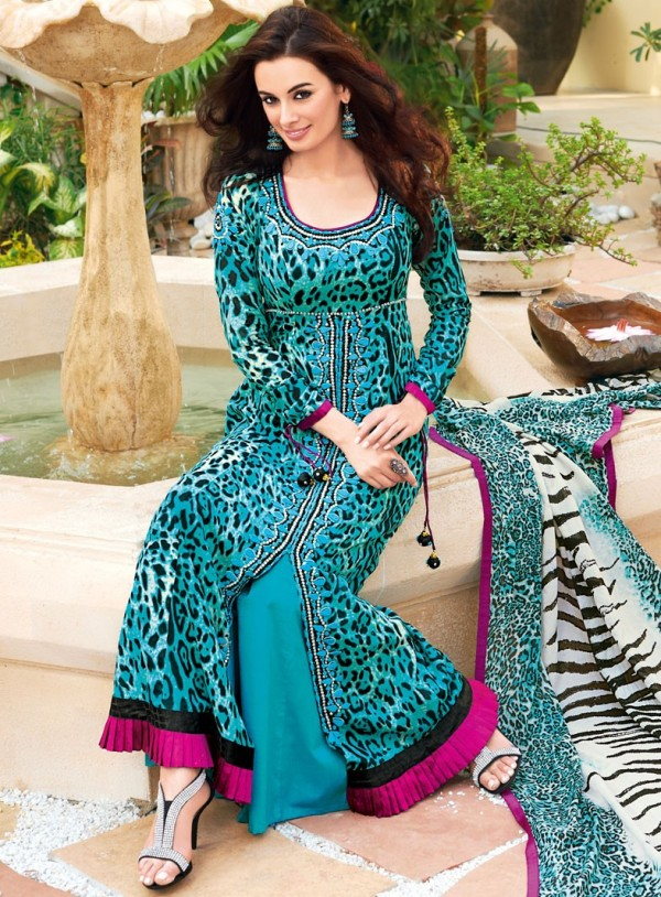 New Lawn Dress Designs 2018 In Pakistan