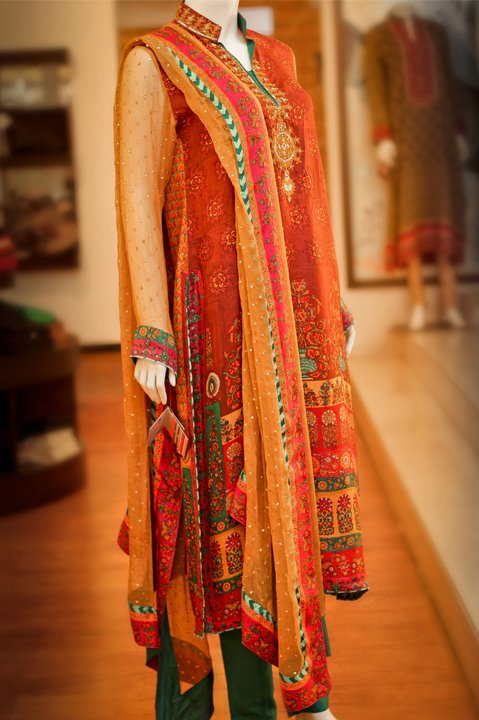 Simply In Season >> Pakistani Designer Embroidered Dresses 2018 Pics