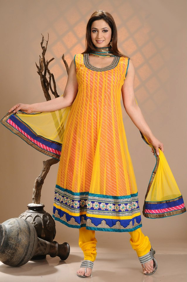 Pakistani Mayon Dresses 2018 Yellow And Pink Pictures
