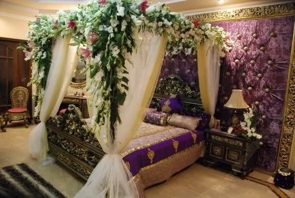 Wedding room decoration ideas in pakistan for bridal for Marriage bed decoration photos