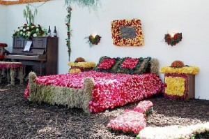 Bridal room decoration with fresh flowers
