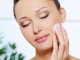 Skin Care Tips for Oily Skin in Summer in Urdu