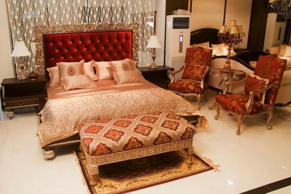 How to decorate a bedroom for romantic first wedding night in pakistan pictures decorating ideas for Living room furniture in pakistan