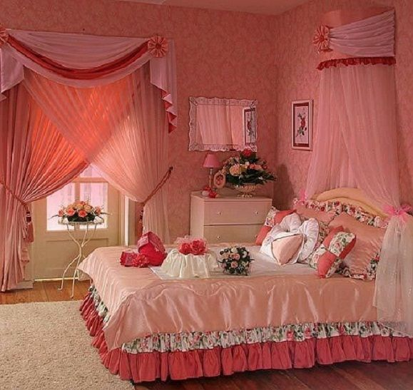 How to decorate a bedroom for romantic first wedding night for Marriage bed decoration photos